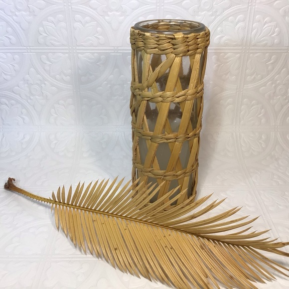 Tall Wicker Candle Holder w/ 2 replacement candles